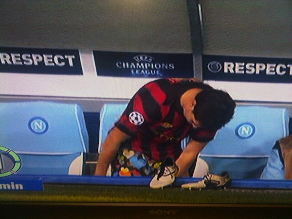 Nasri fails to distract Napoli with his colorful underpants