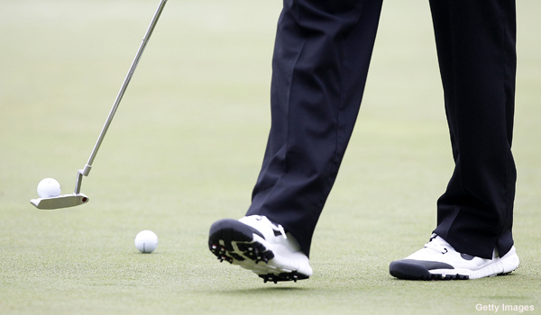 Is Tiger considering a switch back to his Scotty Cameron putter?