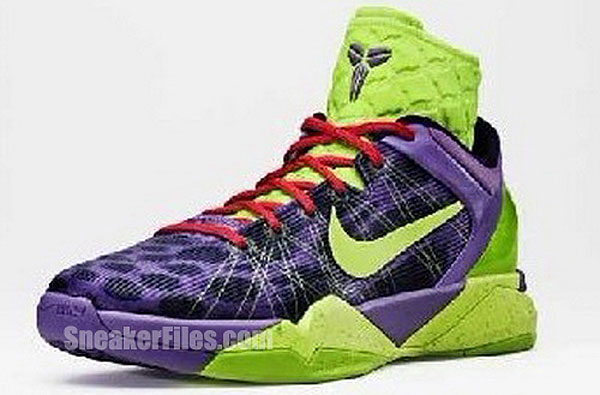 Kobe Bryant is busting out new Grinch shoes for Christmas Day