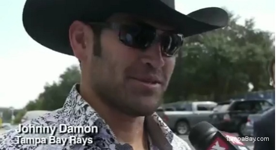 Johnny Damon buys cowboy hat for trip to Texas