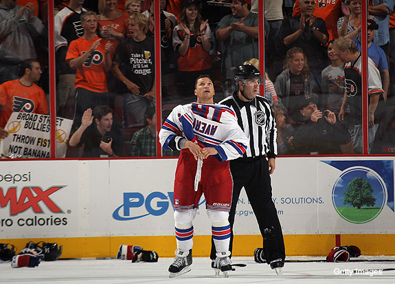 The 7 Sean Avery fights that aren't completely terrible
