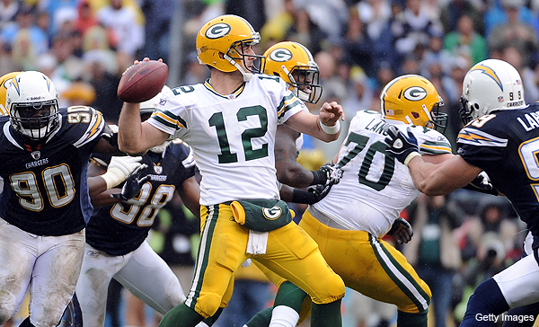Rodgers continues string of surgical performances in Packers' win over Chargers