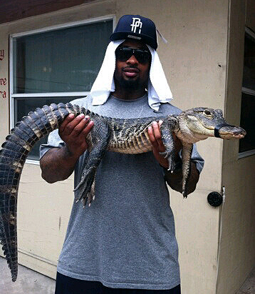Dockett escapes gator trouble in Everglades, buys small croc named 'Nino'