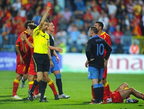 keputusan penuh england vs montenegro kelayakan euro 2012,insiden kad merah rooney montenegro vs england euro 2012 qualifying,video aksi rooney tendang kad merah pemain montenegro,highlight perlawanan motenegro vs england euro 2012
