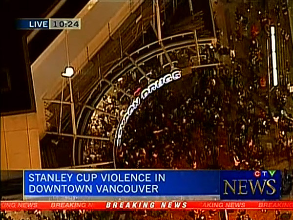Video: Canucks fans set fires, vandalize after Game 7 loss