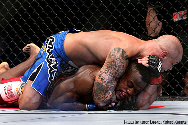 Alves makes a non-story of weight issues and annihilates Abedi at UFC 138