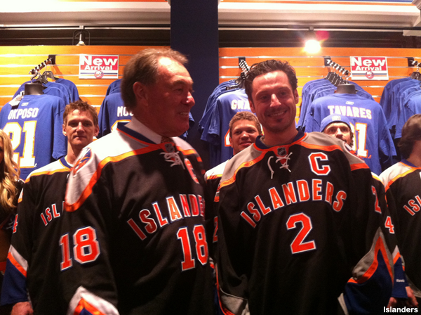 Pass or Fail: The Islanders' new third jersey, now on people