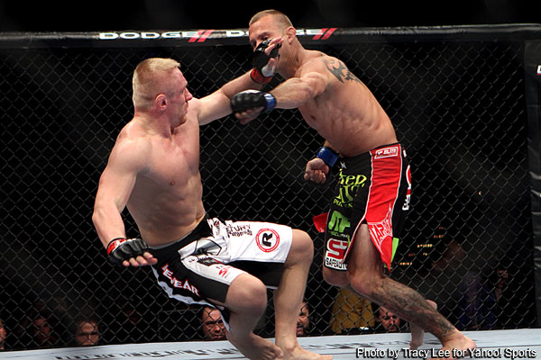 Cerrone moves into title picture by smashing Siver at UFC 137
