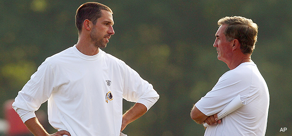 """For quarterback coaches, """"control freak"""" is a normal state"""