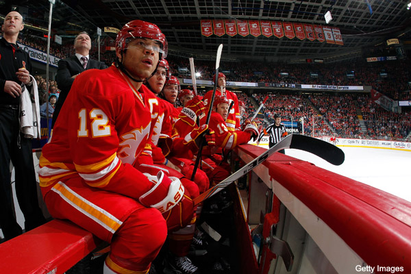 Jay Feaster discovers Jarome Iginla&#8217;s curse is tough to break
