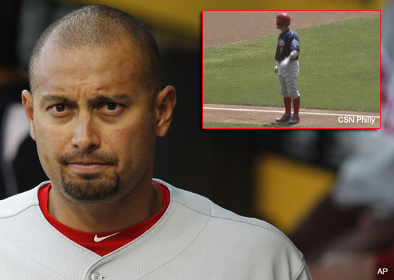 Awkward: Shane Victorino's homer sails foul, no one tells him