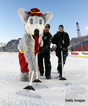 No Heritage Classic in '11-12 keeps outdoor game idea special