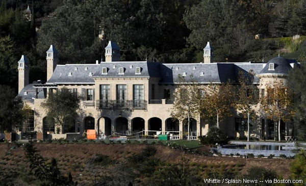 Tom Brady's new home should accommodate his superstar lifestyle