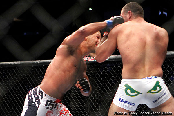 UFC all-timer: Henderson wins 25-minute classic against Rua at UFC 139