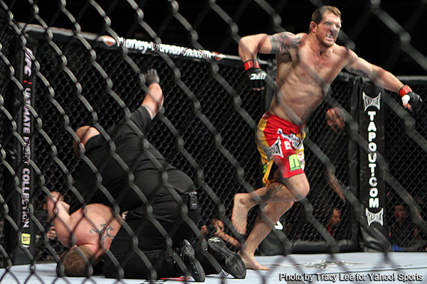 Ryan Bader gets much-needed win by KO at UFC 139