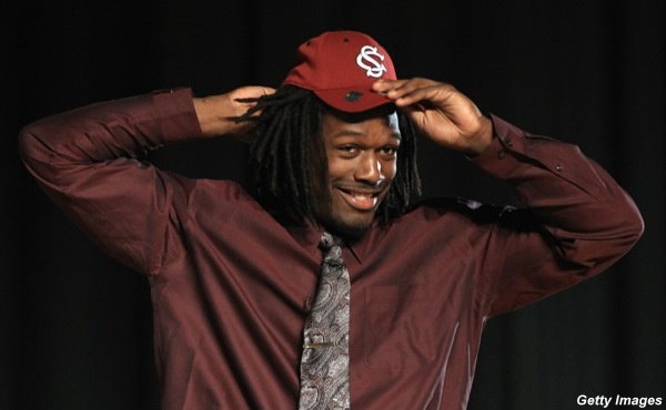 South Carolina recruit Clowney meets NCAA academic standards