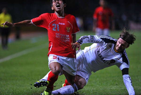 DTotD: David Beckham wrecks Indonesian opponent in friendly