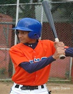 Rangers pay record $5 million bonus to 16-year-old Nomar Mazara