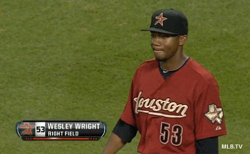 Wright field: Astros' reliever pitches, plays outfield, pitches again