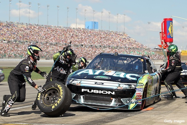 Carl Edwards&#8217; incredible rally at Kansas nets him the points lead