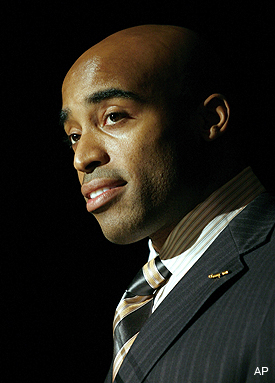 Tiki Barber puts his foot in it again with 'Anne Frank' comment