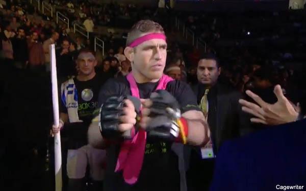 Despite loss, Lawlor continues reign as UFC walkout king