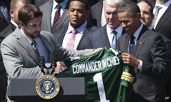 Bears fan Obama welcomes Packers to White House, suggests a bad trade