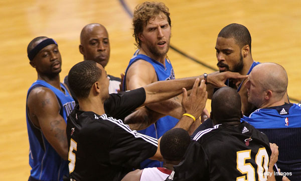 Video: Mavs and Heat tussle a bit at midcourt