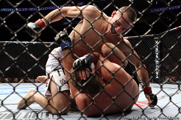 Phenom MacDonald smashes Pyle with quick first-round victory at UFC 133
