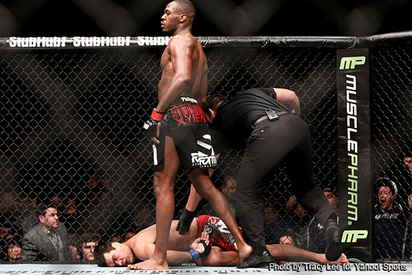 JONES OVERCOMES A FIRST ROUND LOSS TO CHOKE OUT MACHIDA