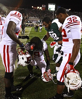 Spartans brandish the dagger for Wisconsin's perfect season, in Hail Mary form
