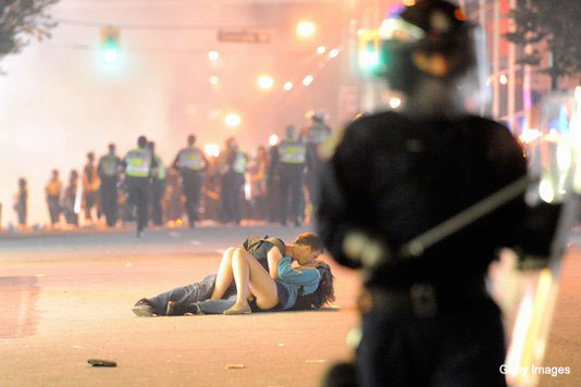 Video: Vancouver riot kissing couple tells their amazing tale