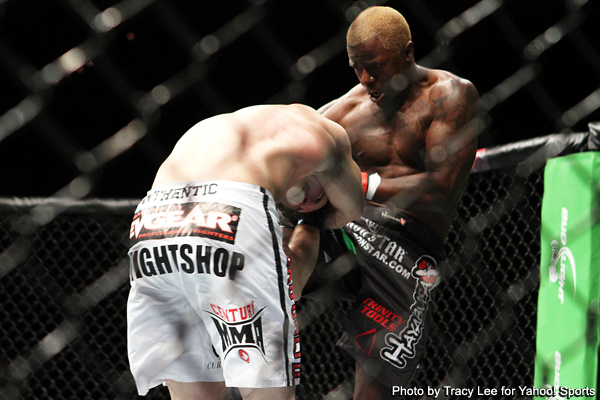 Guillard brings fireworks to UFC 132 with KO of Roller