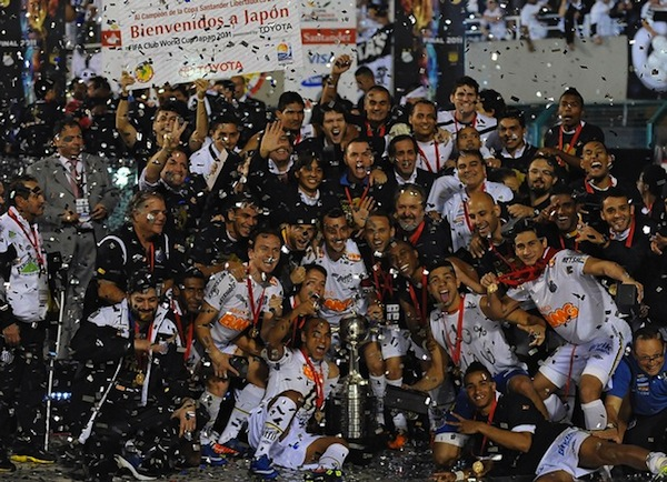 Santos win Copa Libertadores, immediately fight Penarol