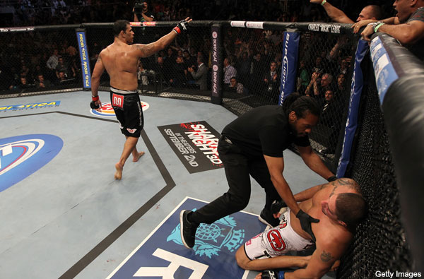 Nogueira pulls upset and KOs Schaub at UFC 134