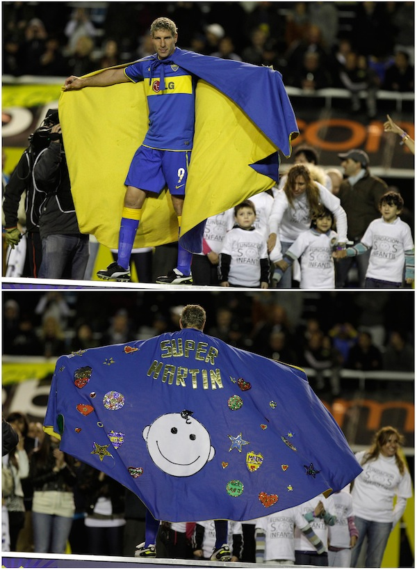 Martin Palermo wears awesome cape after final home match