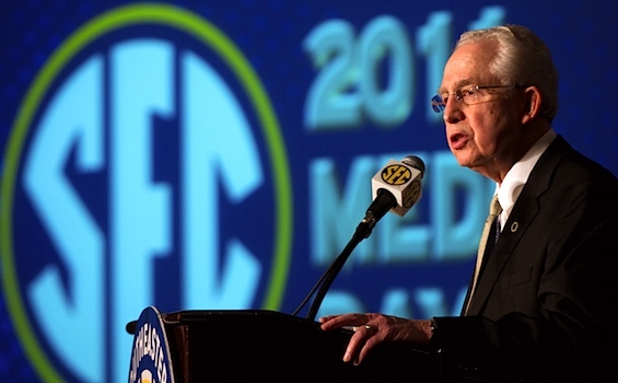 SEC commish: Let&#8217;s make it significantly harder to qualify in the SEC