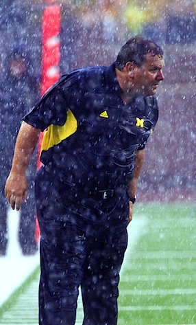 Notre Dame waits, Michigan wins on account of bad weather (Updated)