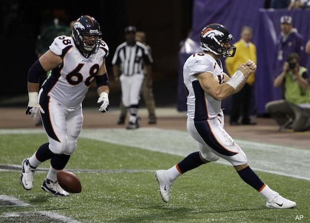 Tebow does it again; leads Broncos to comeback win over Vikings