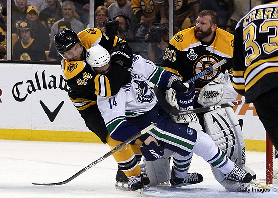 Video: Fed up Tim Thomas takes aggressions out on Burrows