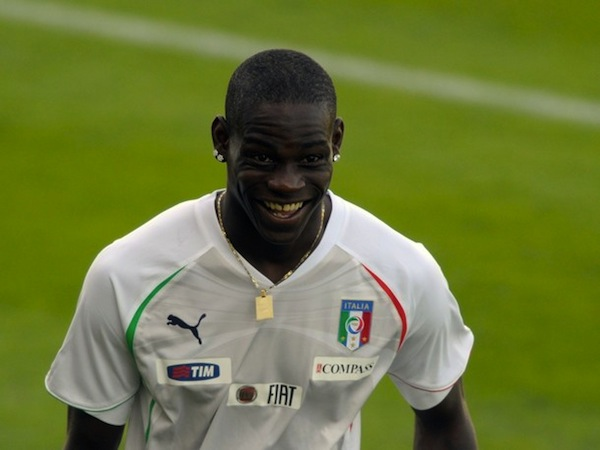 Balotelli and pals set his house on fire with fireworks, no one surprised