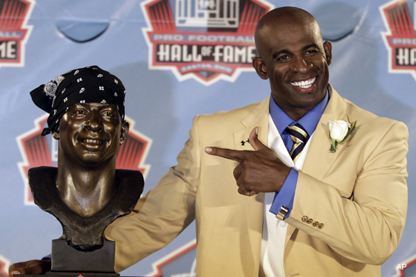Video: Deion Sanders puts a do-rag on his Hall of Fame bust