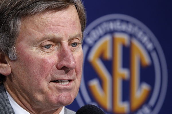 Spurrier proposes paying players from coach's pockets