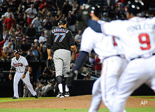 Balk-off balk! Mets fall in 10 on Carrasco's ill-timed mistake