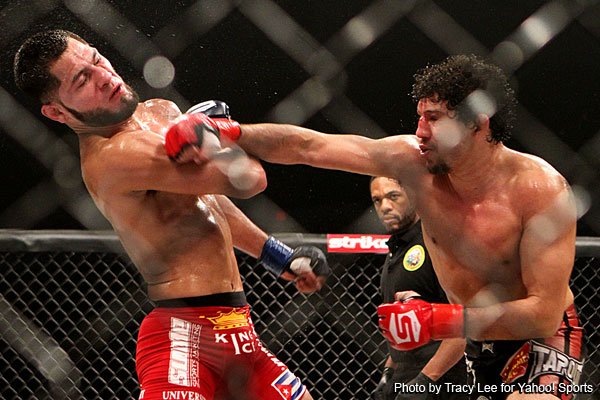 Gilbert Melendez holds onto Strikeforce belt with decision win