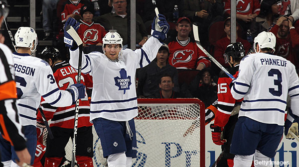 Wednesday's Three Stars: Lupul's trick; Flyers chase Miller