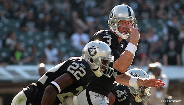 Carson Palmer knew just 15 plays in time for his Oakland Raiders debut