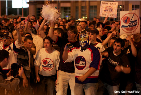 NHL officially back in Winnipeg after unanimous vote