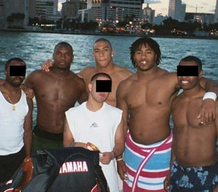 Renegade Miami Football Booster Spells Out Illicit Benefits To Players Investigations Yahoo