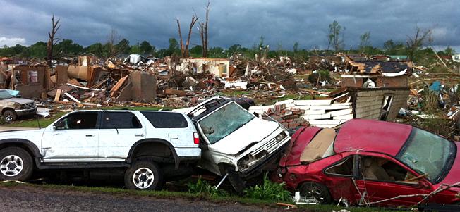 Khaub zeeg cua (tornadoes)  nyob As Mes Lis Kas teb 13adb4f4603c2377cdda38af4edabdfc